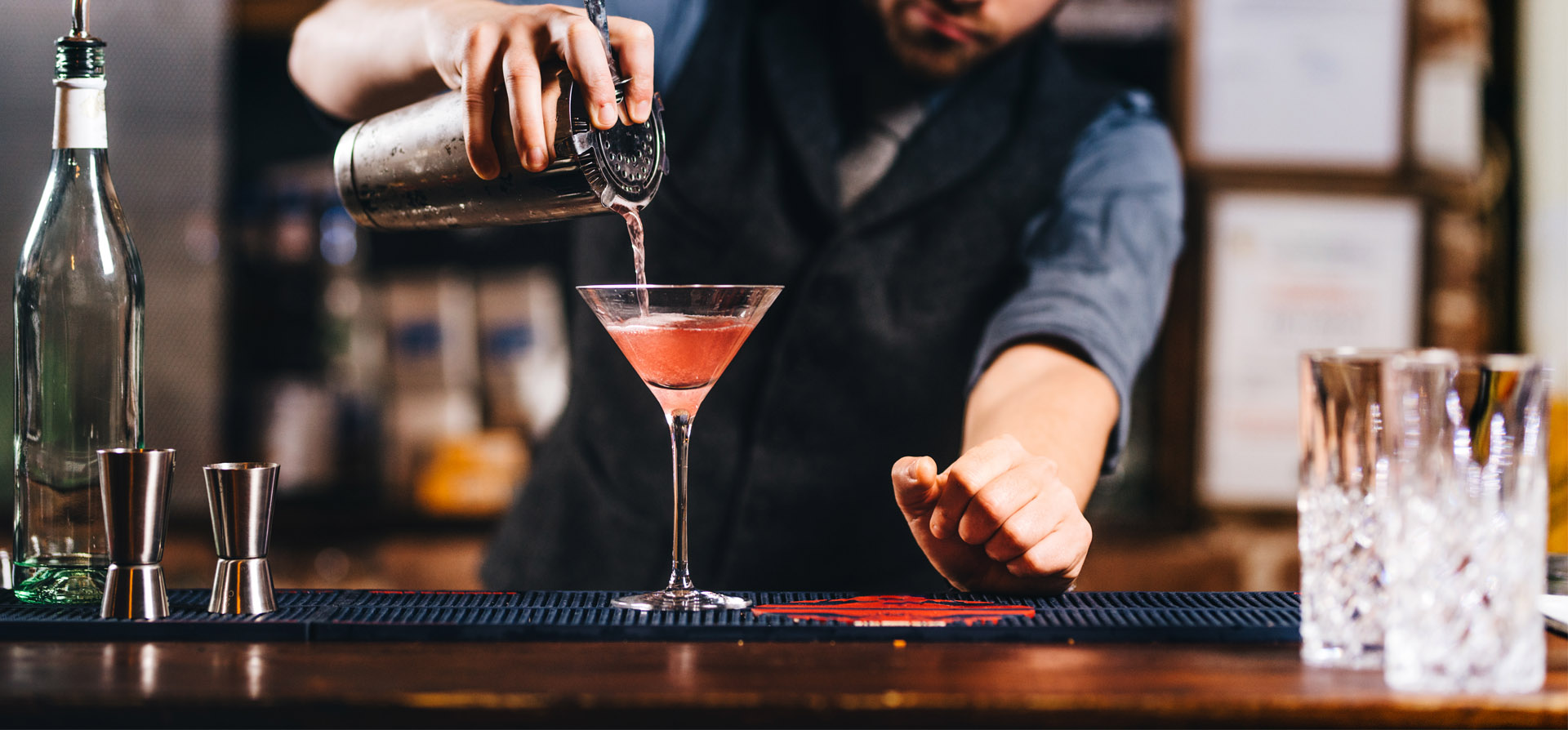 Tampa Florida Bar Tending Service | Wedding bar tender | Event bar tender